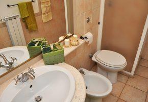 appartamento-bagno-tenuta-barco-di-emera-salento-puglia-italy